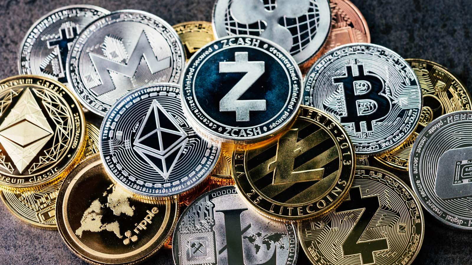 Bitcoin Fiyat: Btc 30.000 USD'nin Üstünde, Altcoinler Çekiş Kazanıyor