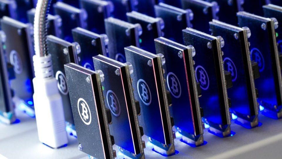 bitcoin madenciliği, Bitcoin Madenciliği Geliri Rekor Seviyeye Ulaştı
