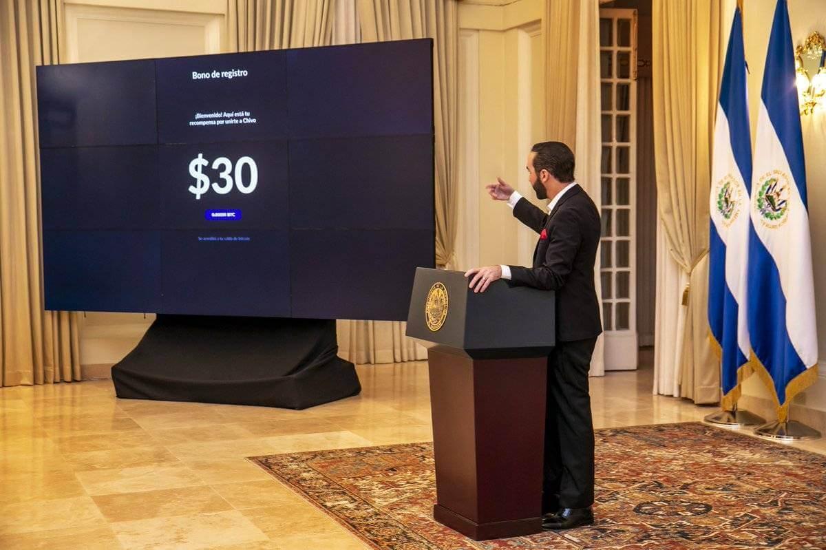 El Salvador Vatandaşlarına 30 Dolarlık Bitcoin Veriyor